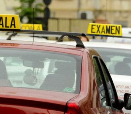 Examinările pentru obținerea permiselor de conducere se suspendă pentru o lună, din martie