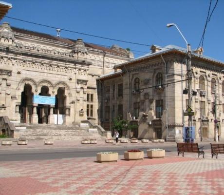 """Premii pentru cei care aleg să studieze la Universitatea """"Dunărea de Jos"""" din Galați"""
