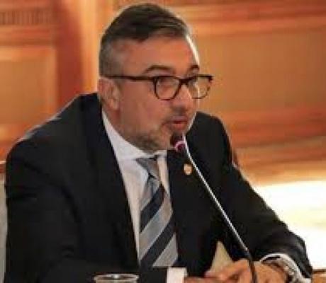 """Lucian Romaşcanu, atac la adresa lui Iohannis: """"Cu o strategie băsesciană, este primul motor electoral al PNL"""""""